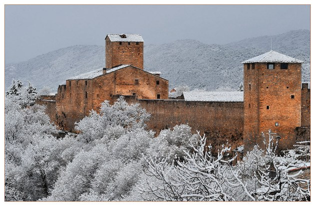 -Castillo de Aínsa (Huesca)