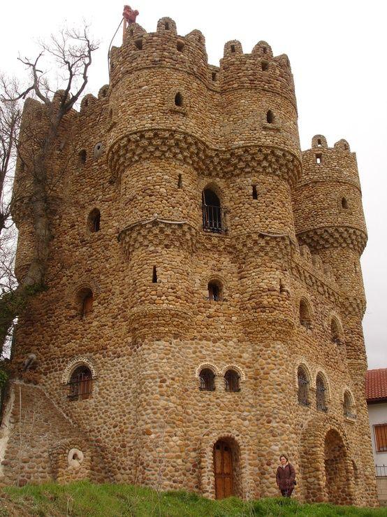 Castillo de La Cueva, Cebolleros, Burgos, Spain