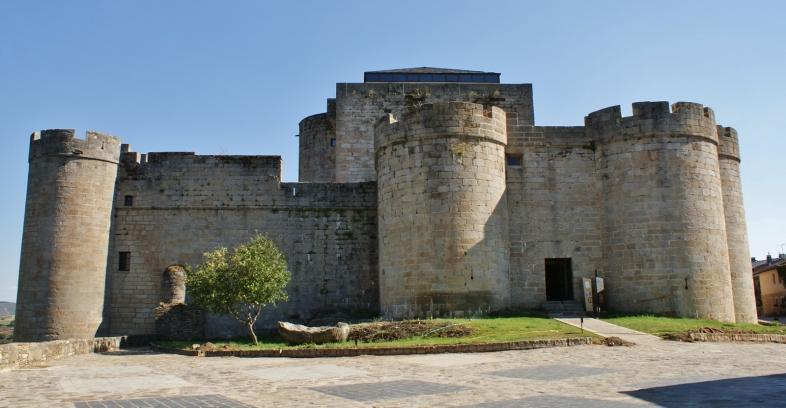 ----Castillo de los Duques de Benavente, Puebla de Sanabria, Zamora