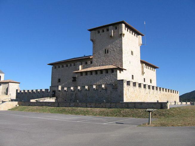 ------Torre-Palacio de los Varona.  Villanañe. Álava